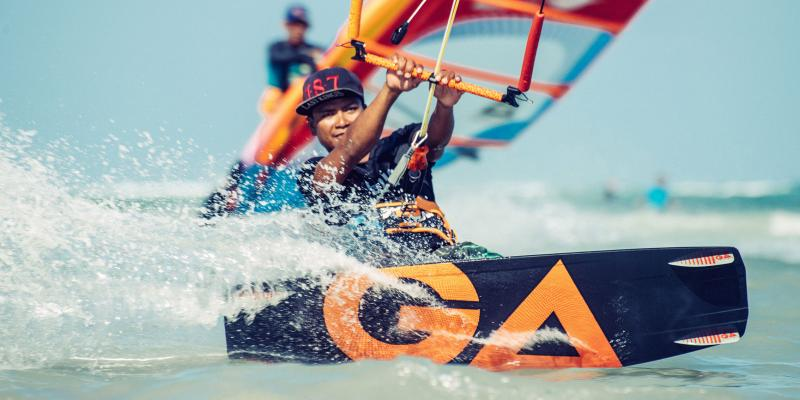 Boracay Kitesurfing school, lessons and rental with Gaastra kitesurfing at Bulabog Beach.