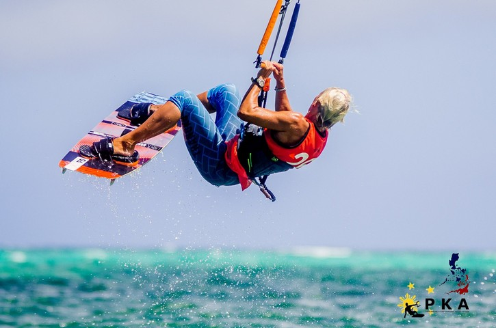 Back roll for old school kitesurfer Simone at the PKA on Boracays Island.