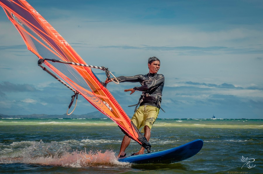 Windsurfing courses at Funboard Center Boracay with Gilbert.