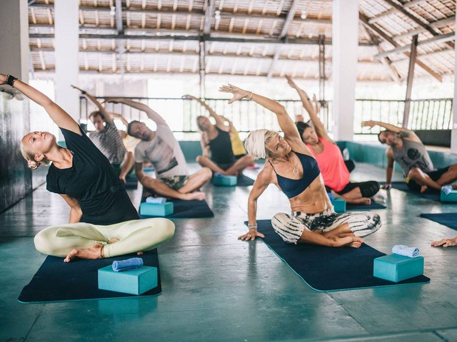 Daily yoga classes to prepare your body for the next session on the water. The best way to become more in tune with your body!
